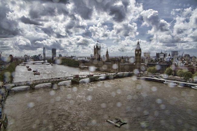 03.08.2014 - London, rainy cloudy sunny.